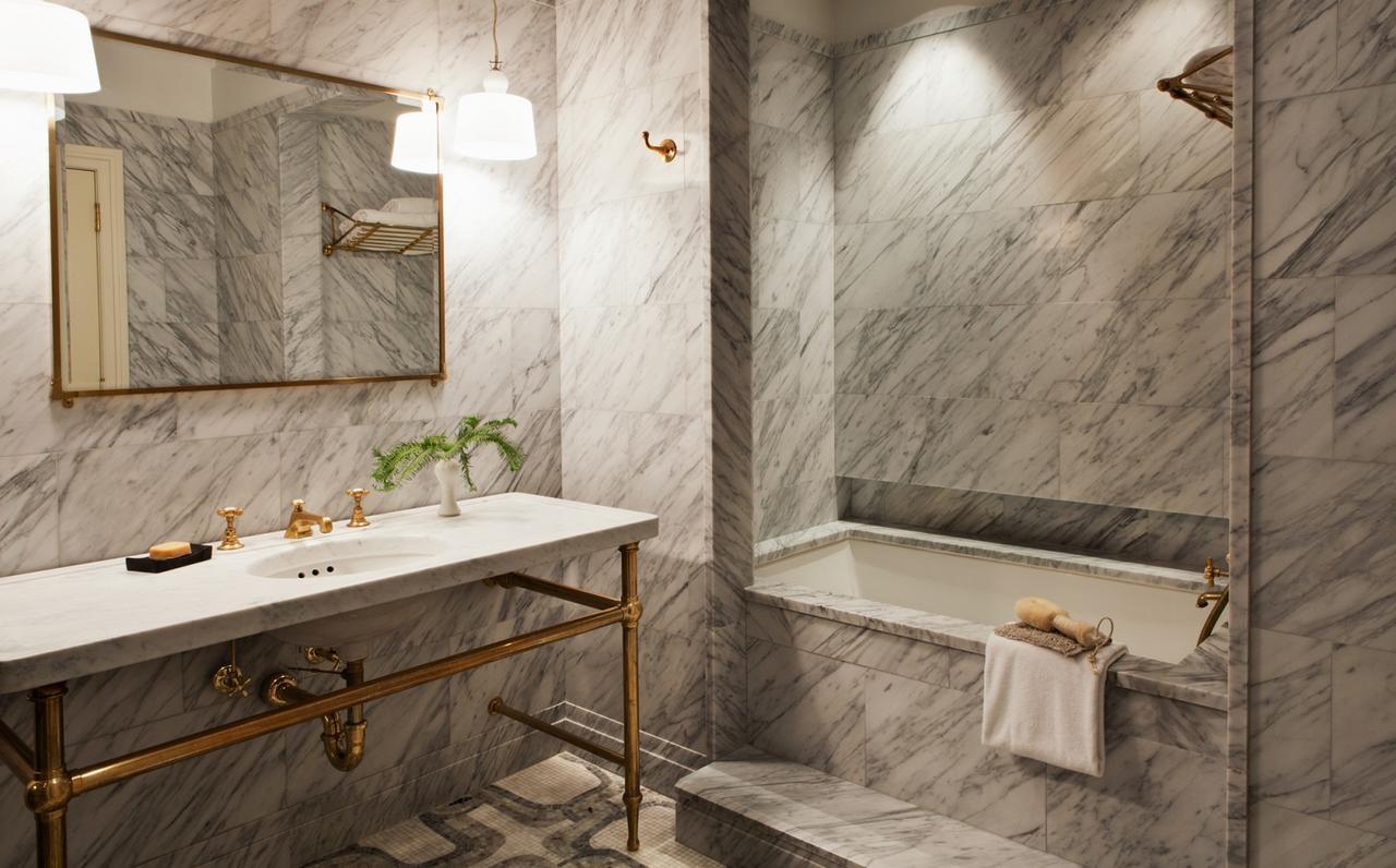 greenwich-hotel-hot-tub